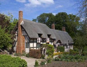 Photograph of Elizabethan cottage believed to belong to Anne Hathaway's family.