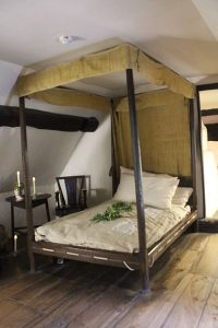 Photograph of Elizabethan four poster bed